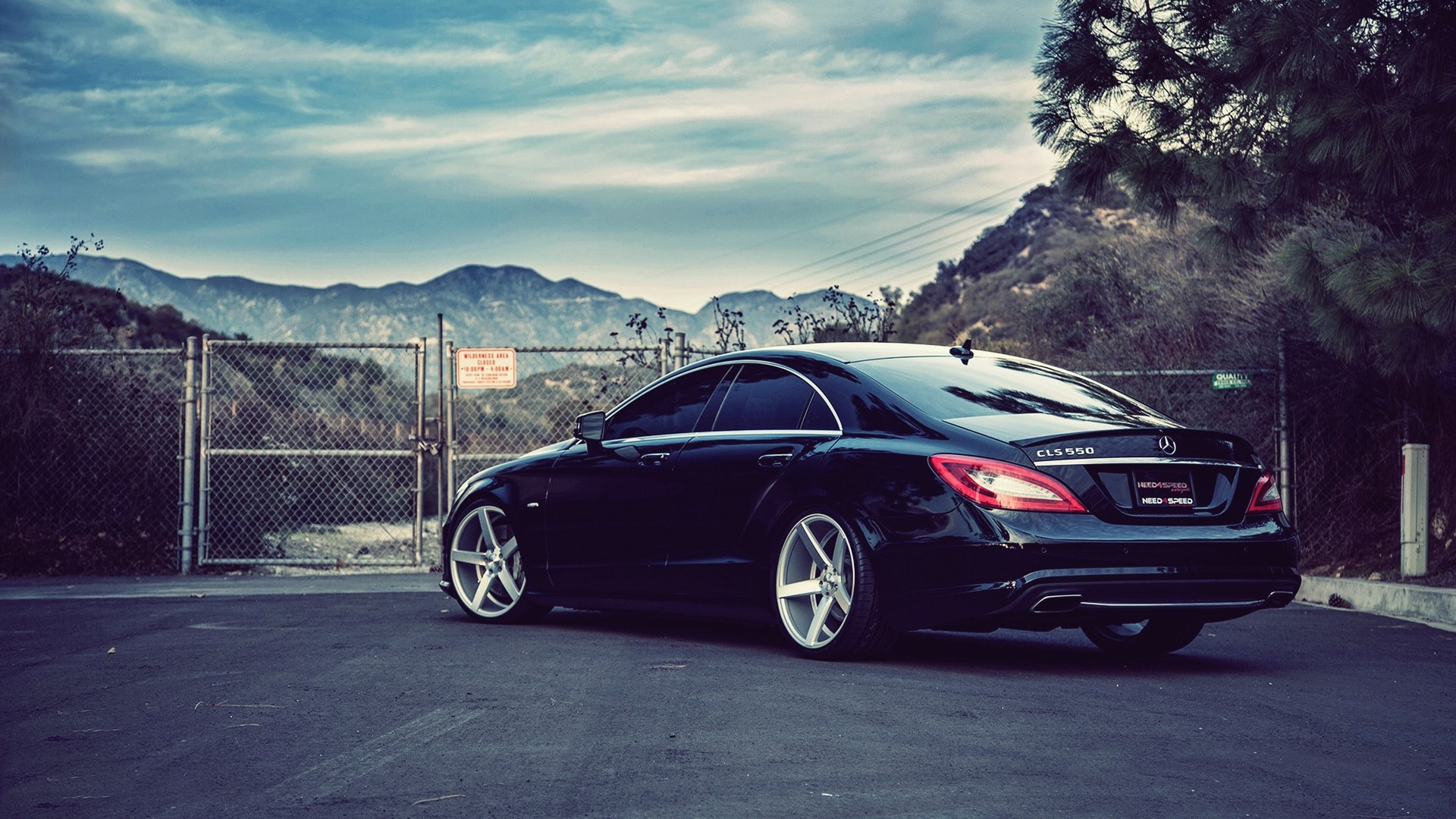 1920x1080 Mercedes-Benz CLS550 desktop PC and Mac wallpaper