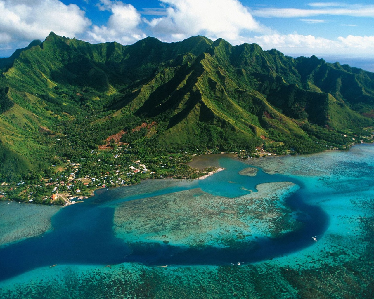 Image: 1280x1024 Moorea Island desktop PC and Mac wallpaper