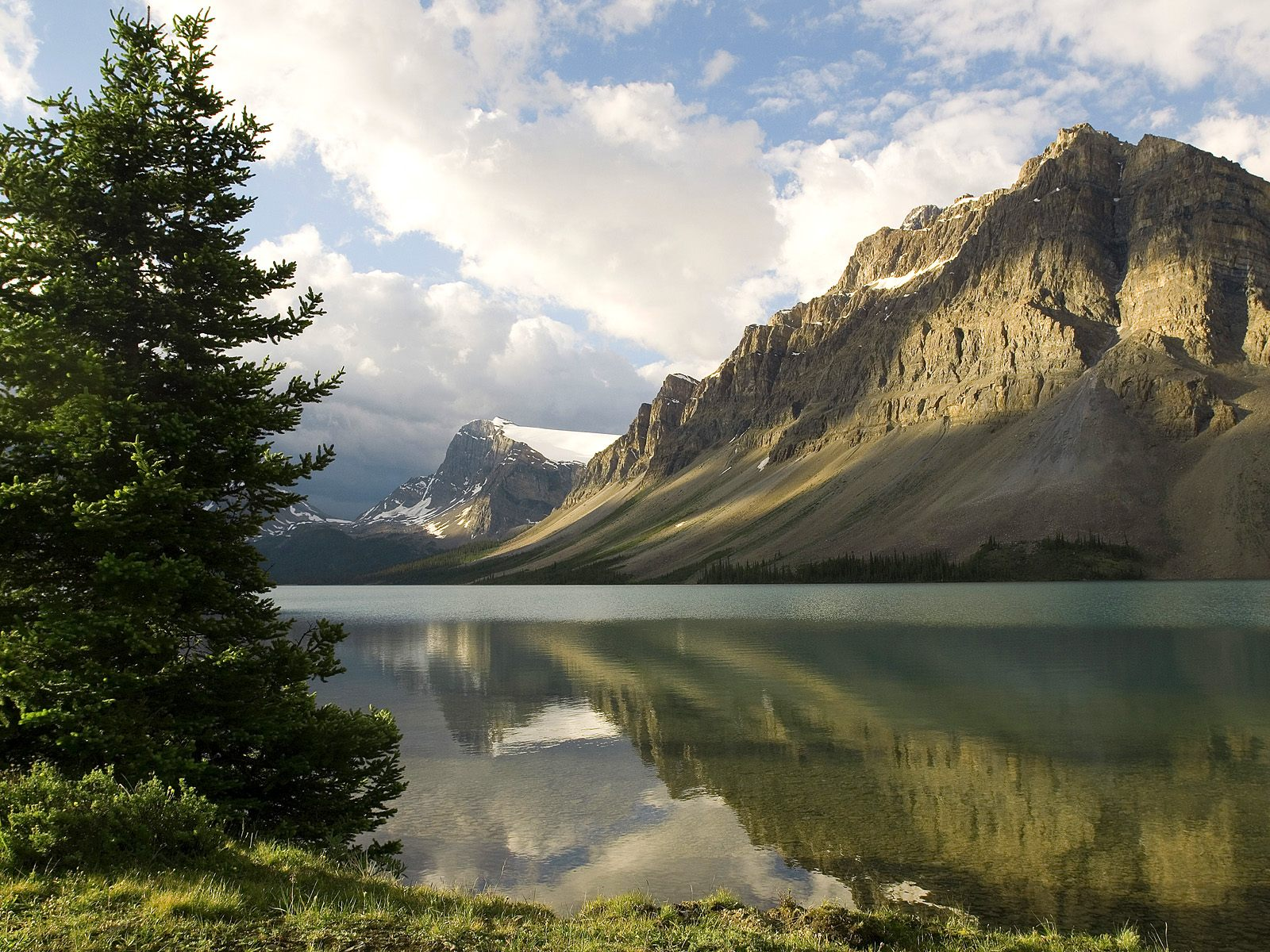 1500x500 Mountain Reflection Twitter Header Photo