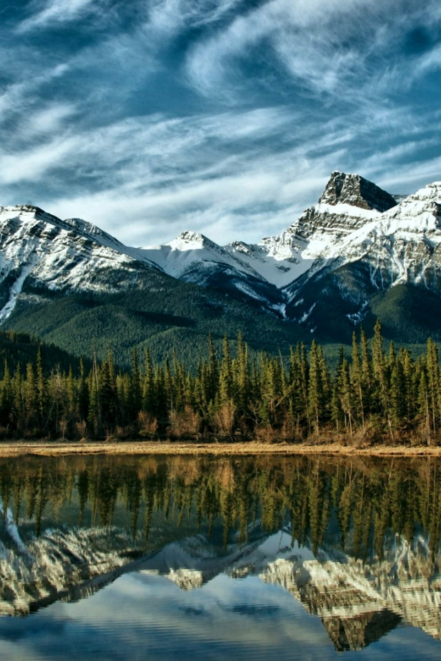 640x960 mountains forest lake canada iphone 4 wallpaper for Home wallpaper canada