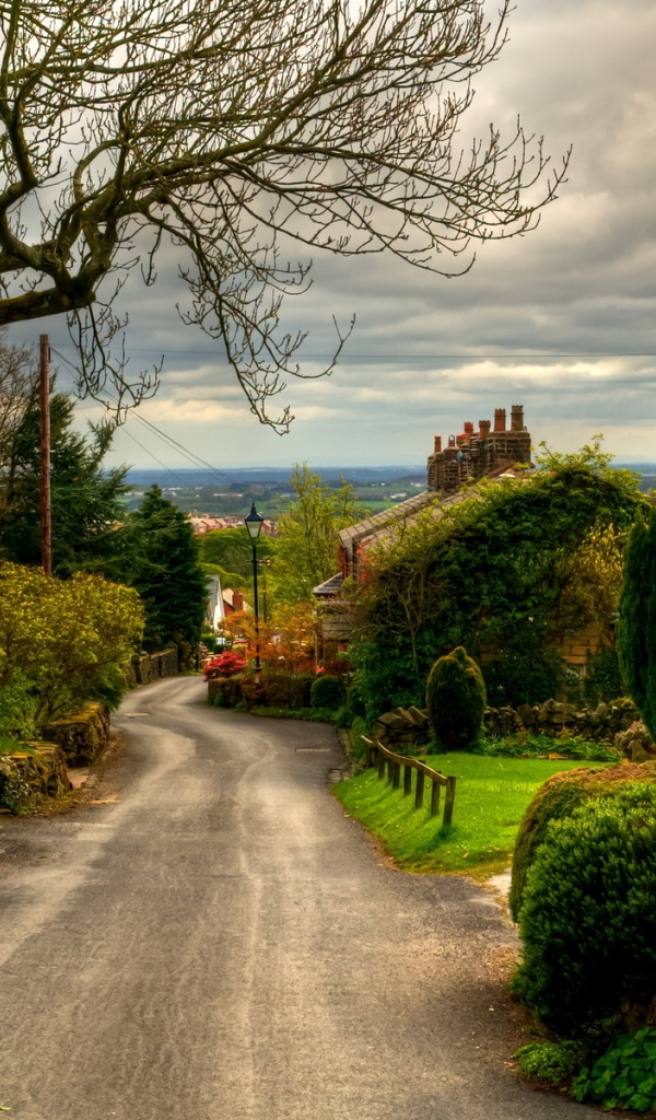 600x1024 Nice Village England Galaxy tab 2 wallpaper
