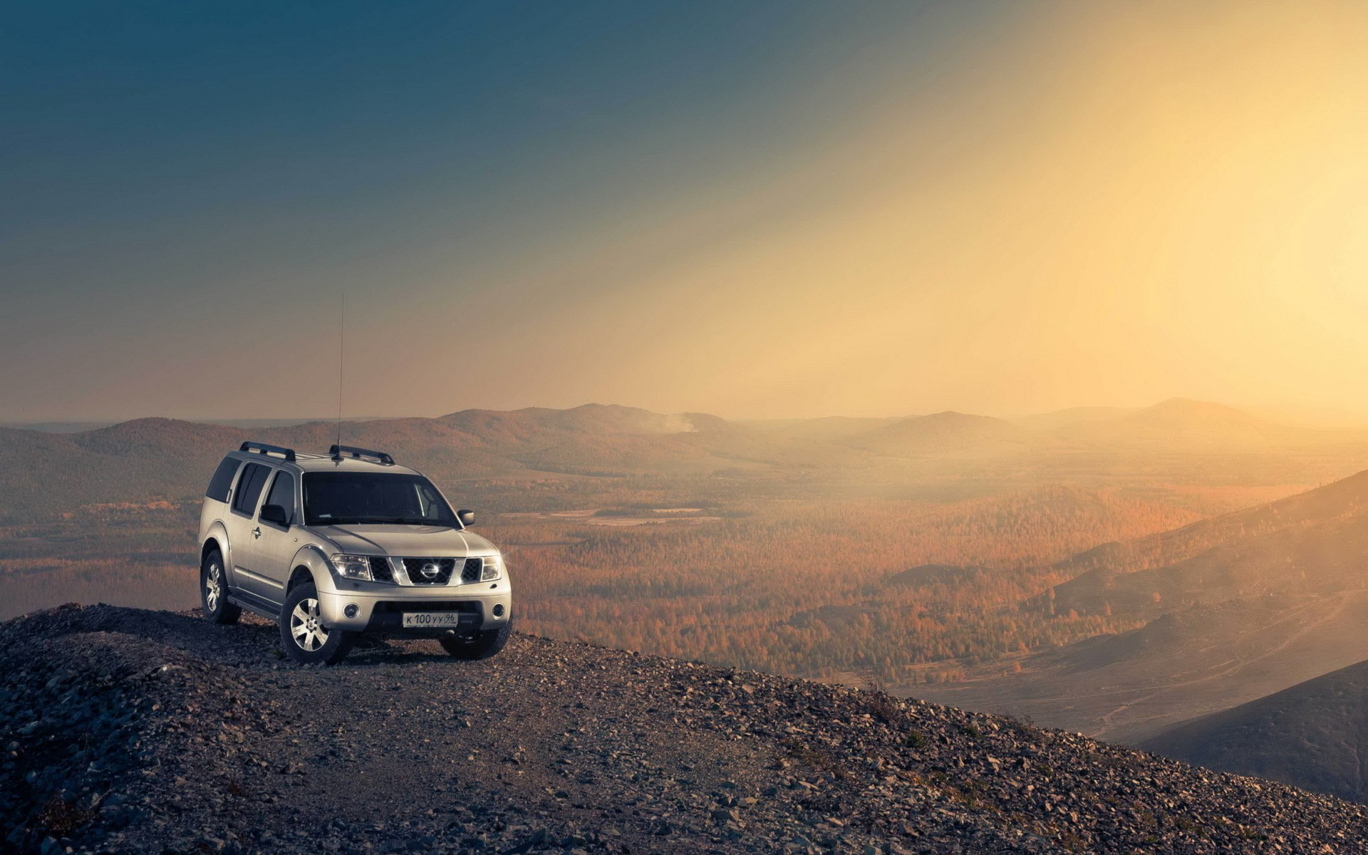 nissan pathfinder on hill top wallpapers | nissan pathfinder on hill