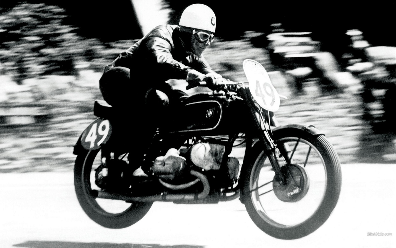1280x800 Old Style BMW Motorbike Race desktop PC and Mac wallpaper