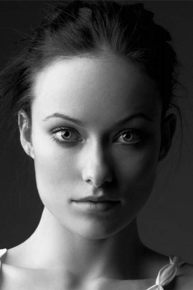 640x960 olivia wilde black and white portrait iphone 4 wallpaper