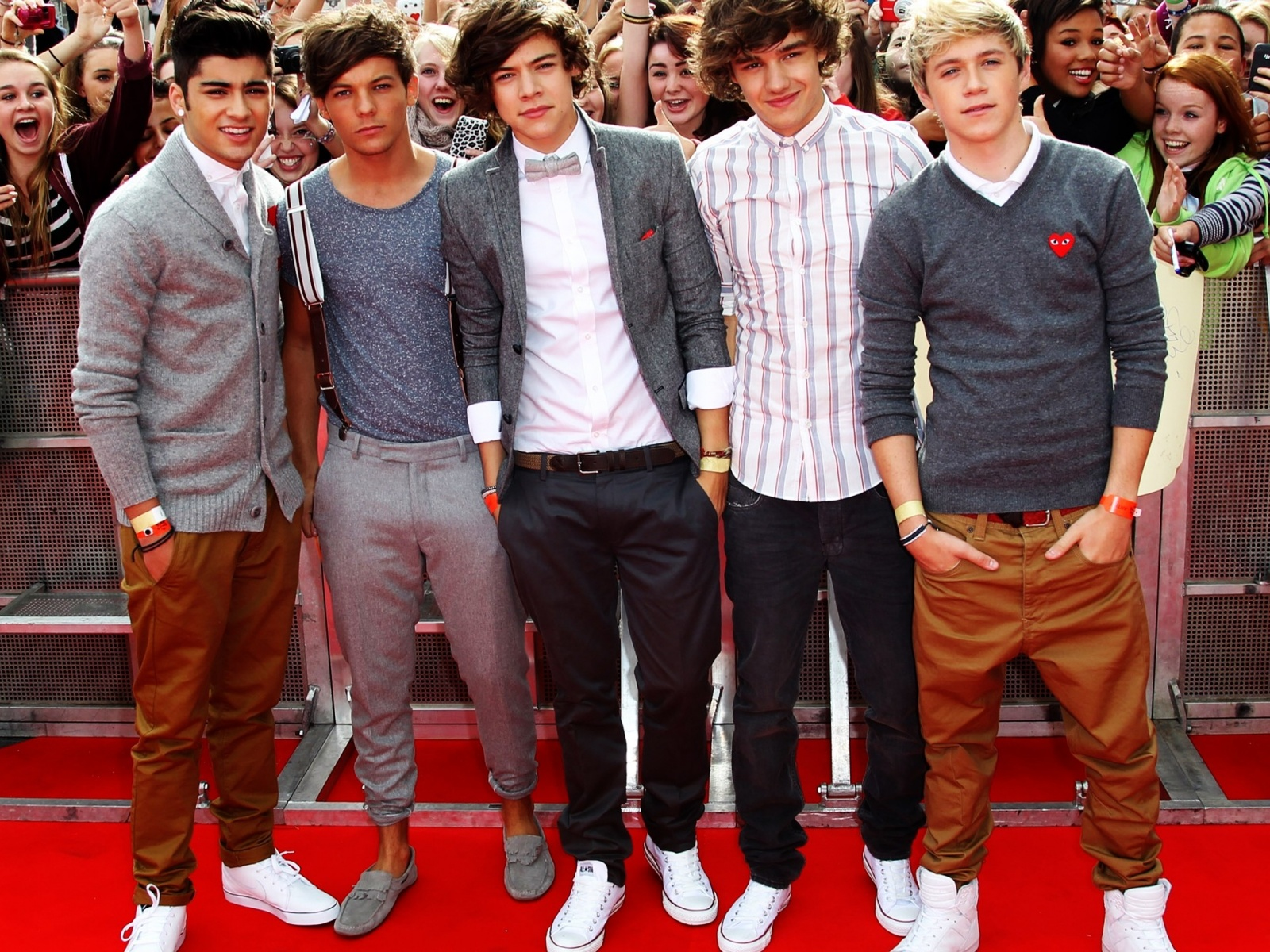 1500x500 One Direction Red Carpet Twitter Header Photo