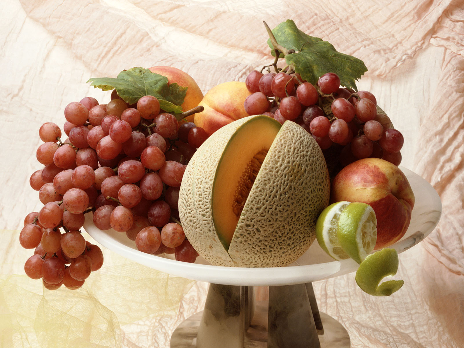 1600 Pitoresque Fruits desktop wallpapers and stock photos