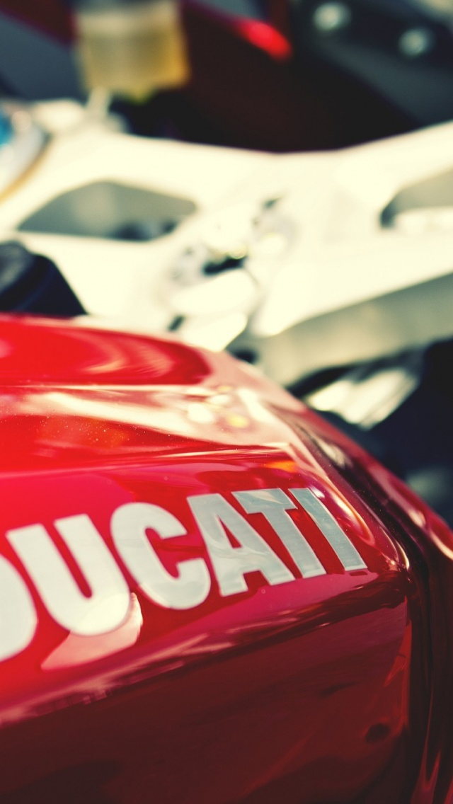 640x1136 Red Ducati Bike Close Up Iphone 5 Wallpaper