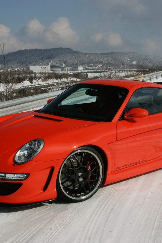 640x960 Red Porsche Snow Drift Iphone 4 Wallpaper