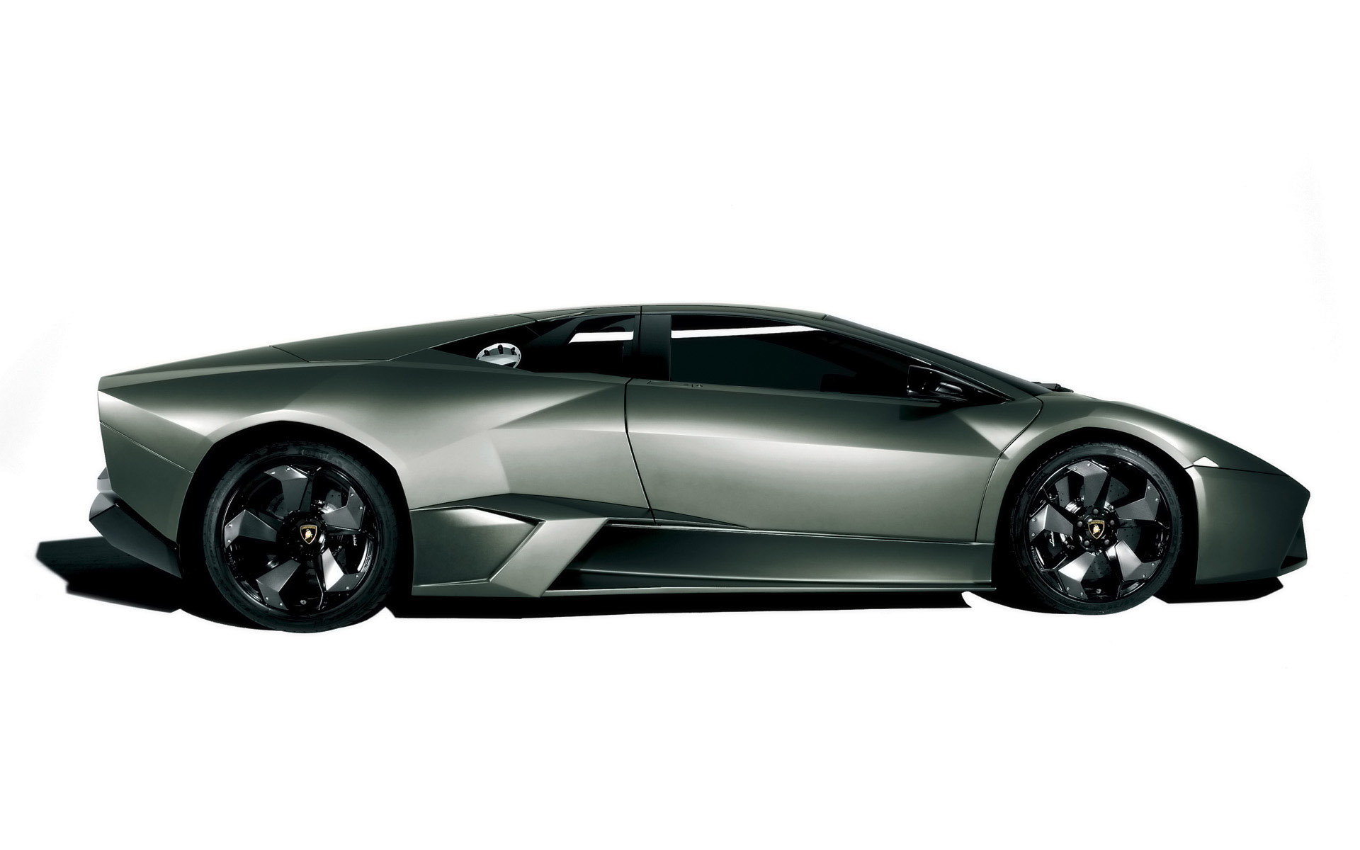 Reventon side view wallpapers reventon side view stock photos - Car side view wallpaper ...