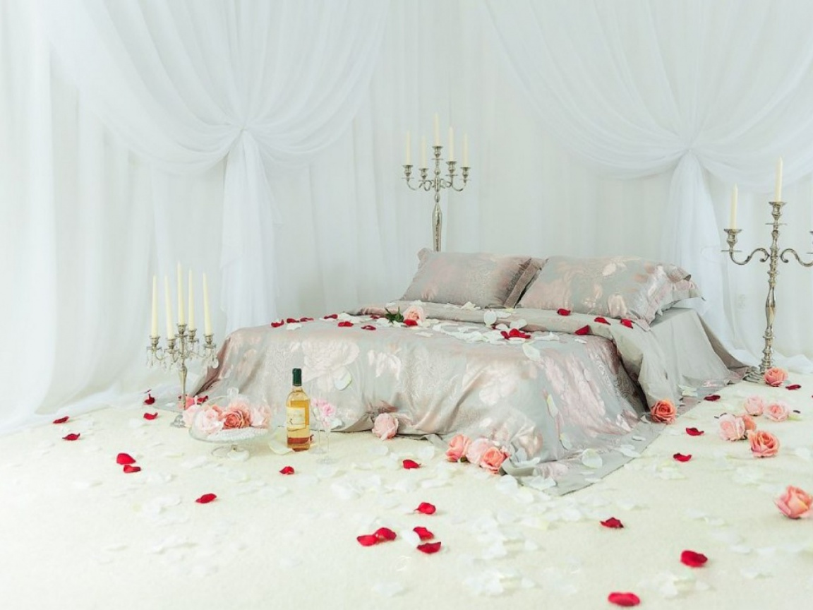 1152x864 Romantic Bed Room
