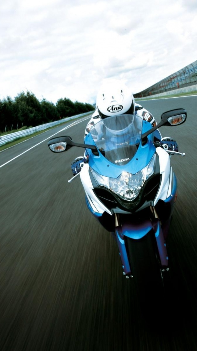 640x1136 Suzuki Bike High Speed Iphone 5 Wallpaper