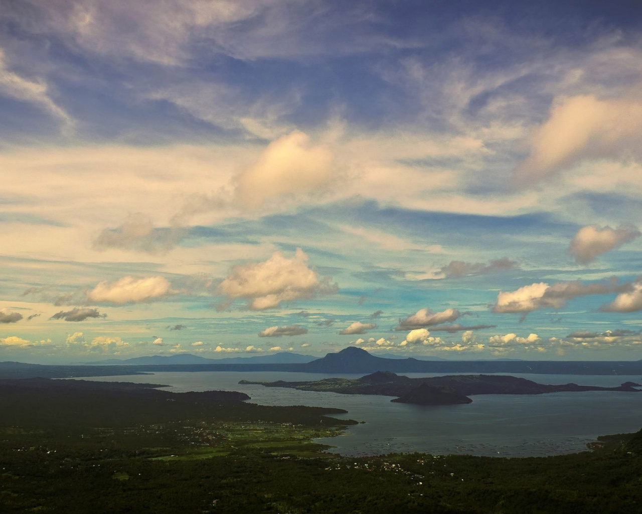 1280x1024 taal volcano philippines desktop pc and mac for Wallpaper home philippines