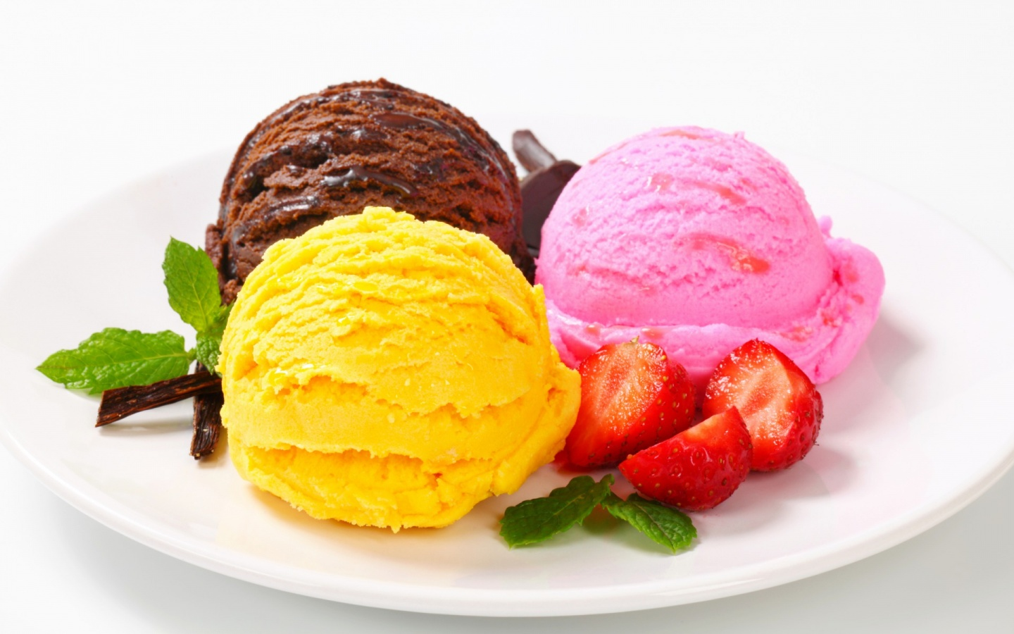 1440x900 Three Delicious Scoops