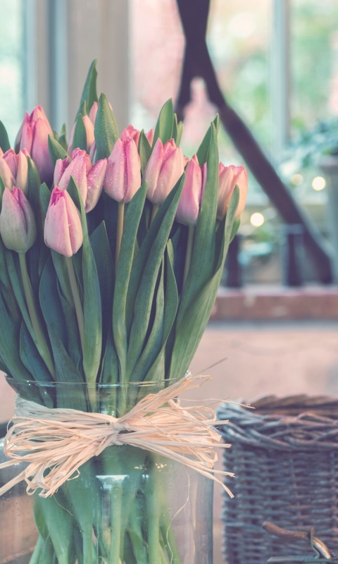 480x800 tulips_bouquet_vase