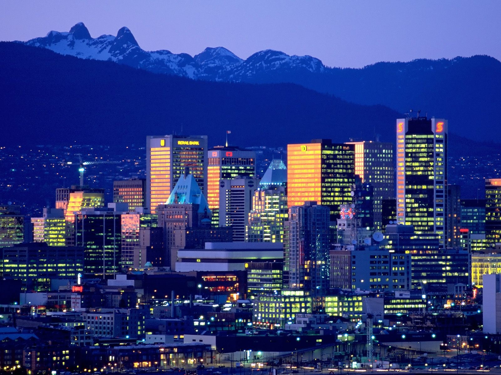 1600x1200 vancouver skyline desktop pc and mac wallpaper for Home wallpaper vancouver