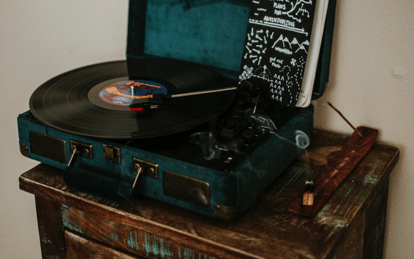 1440x900 Vinyl Record Player Desktop PC And Mac Wallpaper
