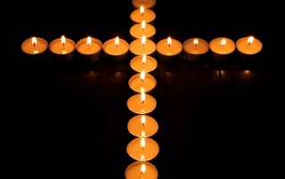 Random: Cross candles