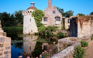 Scotney Castle wallpapers and stock photos