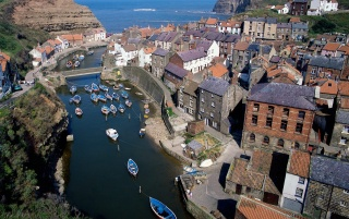 Staithes Bay wallpapers and stock photos