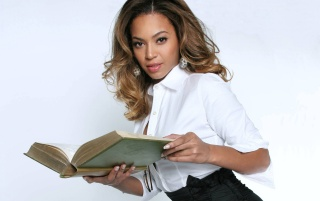 Beyonce reading wallpapers and stock photos