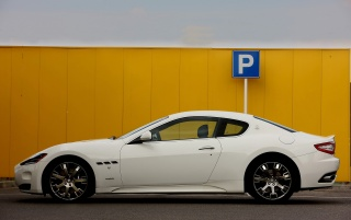 Maserati GT side wallpapers and stock photos