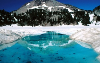 Lassen Volcanic park wallpapers and stock photos