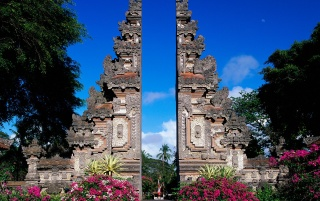 Bali monument wallpapers and stock photos