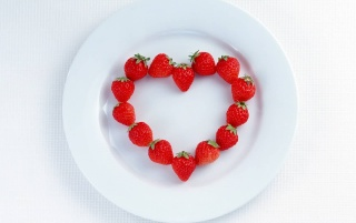 Random: Heart strawberries