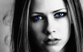 Random: Avril blue eyes