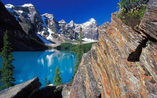 Moraine Lake and Valley wallpapers and stock photos