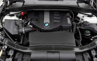 Random: BMW X1 engine
