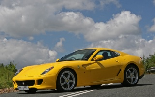 599 GTB Fiorano Side Angle wallpapers and stock photos