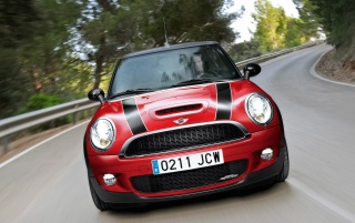 Random: Mini Cooper JCW Dropdown Front