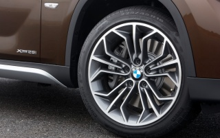 BMW X1 Wheel wallpapers and stock photos