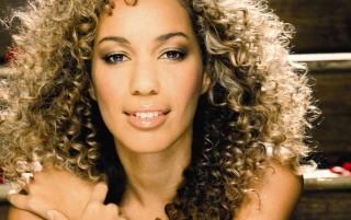 Leona Lewis Escaleras wallpapers and stock photos