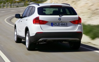 Random: BMW X1 Rear Angle Speed White 2