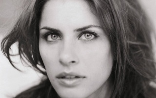 Random: Amanda Peet Black and White