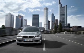 5 Series Front Speed 2 wallpapers and stock photos
