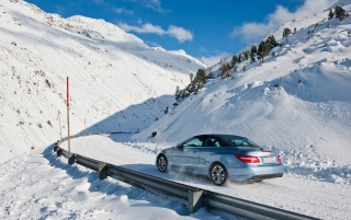 2010 E-Class Cabriolet Snow Rear wallpapers and stock photos