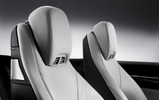 Previous: 2010 E-Class Cabriolet Headrests