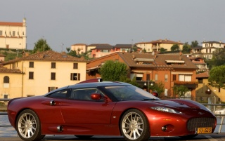Random: Spyker C8 in Italy Front and Side