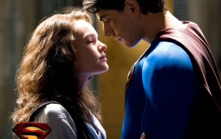 Next: Superman kissing