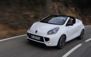 White Renault Wind wallpapers and stock photos