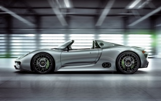 Porsche 918 side wallpapers and stock photos