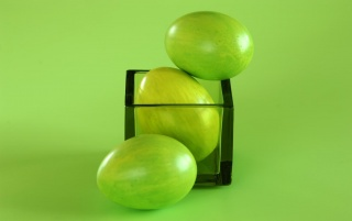 Green Easter eggs wallpapers and stock photos