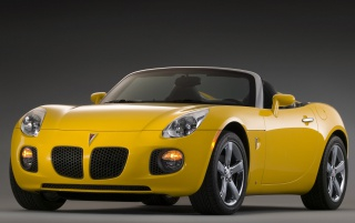 Pontiac Solstic gelb wallpapers and stock photos