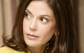 Random: Teri Hatcher look