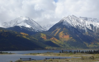 Twin Lakes Colorado wallpapers and stock photos