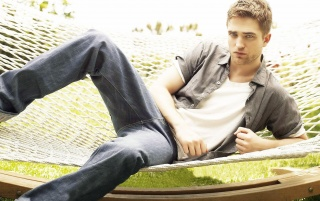 Random: Robert Pattinson