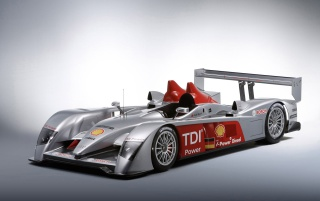 Next: Audi R10 TDI front left